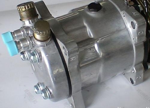 压缩机配件中气阀工作原理?